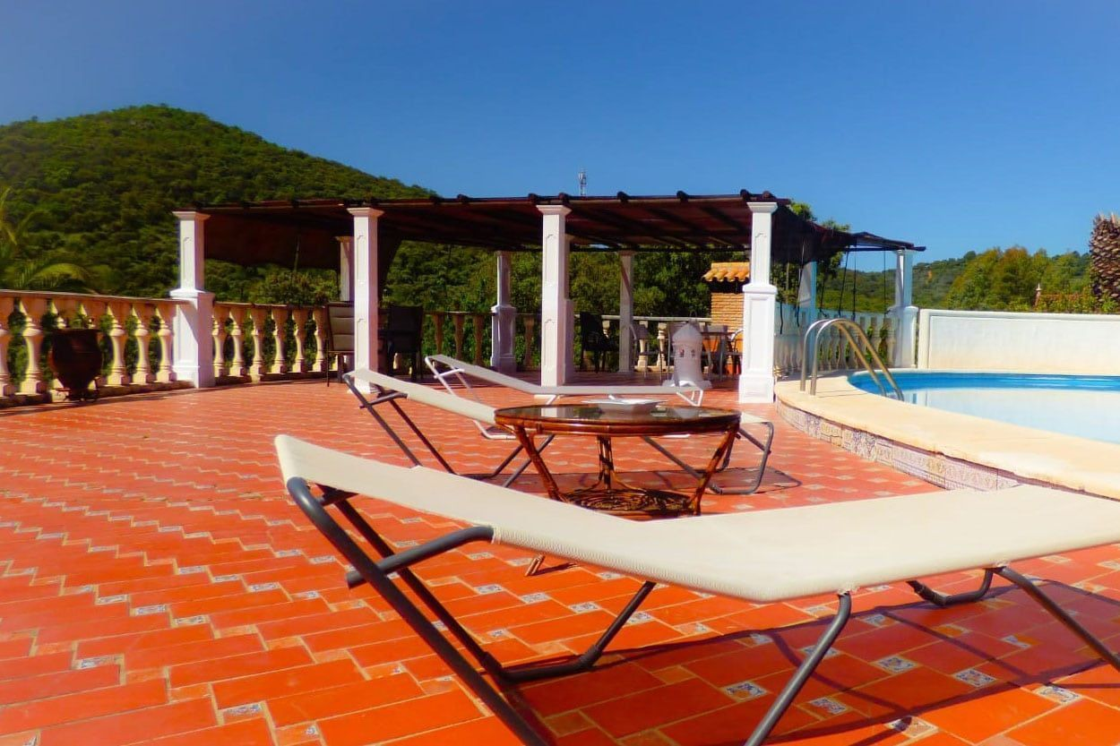 Swimming pool in rural house in Cerro Muriano